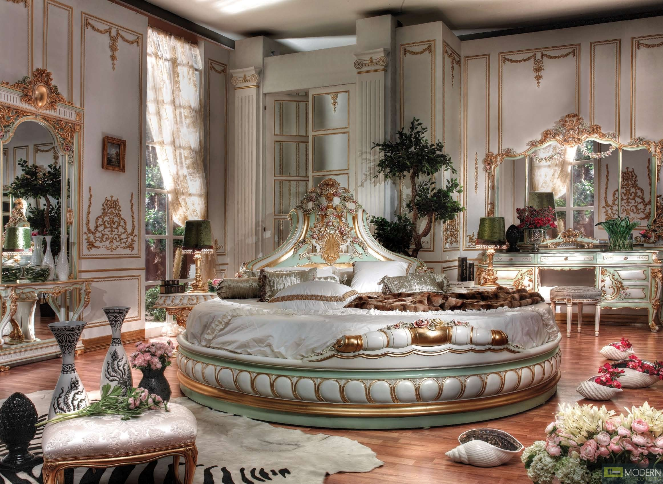 Italian Furniture Bedroom Set. More Views  Classic Italian Luxury Style Royal Baudelaire Collection Bedroom
