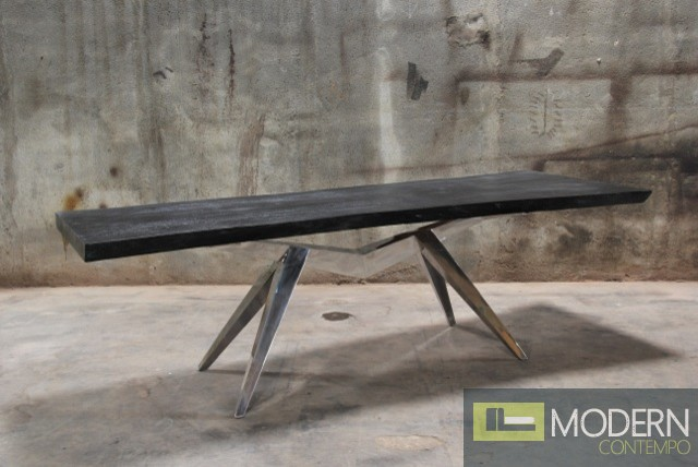 RUGBY DINING TABLE
