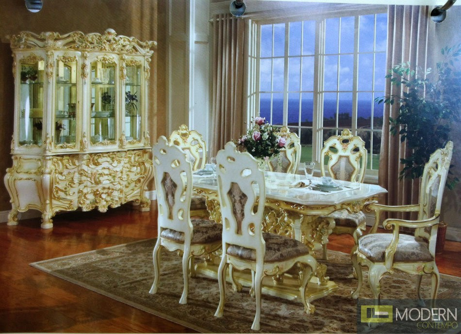 Traditional Formal Victorian Highend Wood Dining Room
