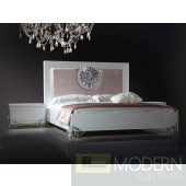 Versus Emma - Modern White Lacquer Bed