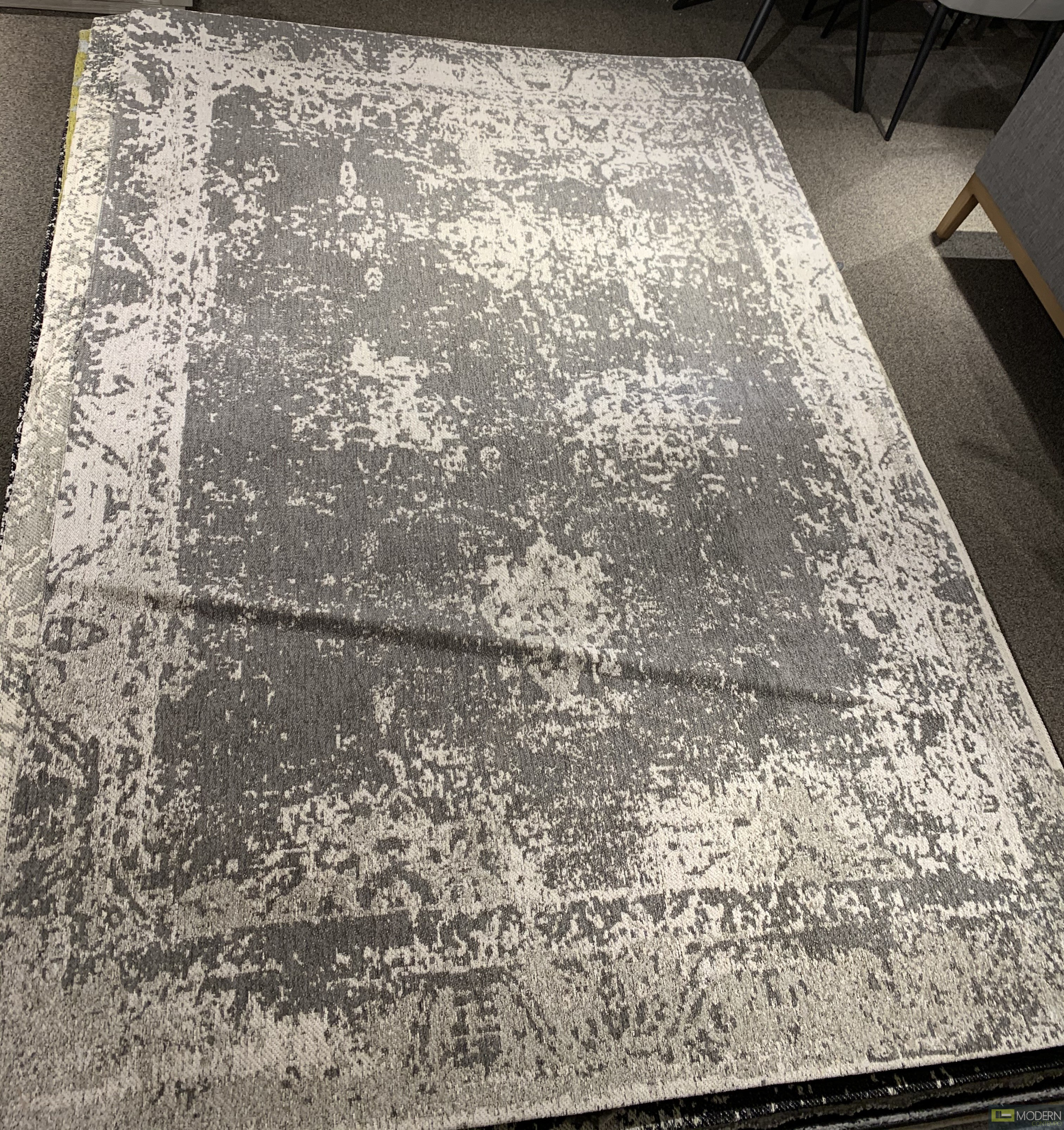 GYPSY light Gray and White Rug