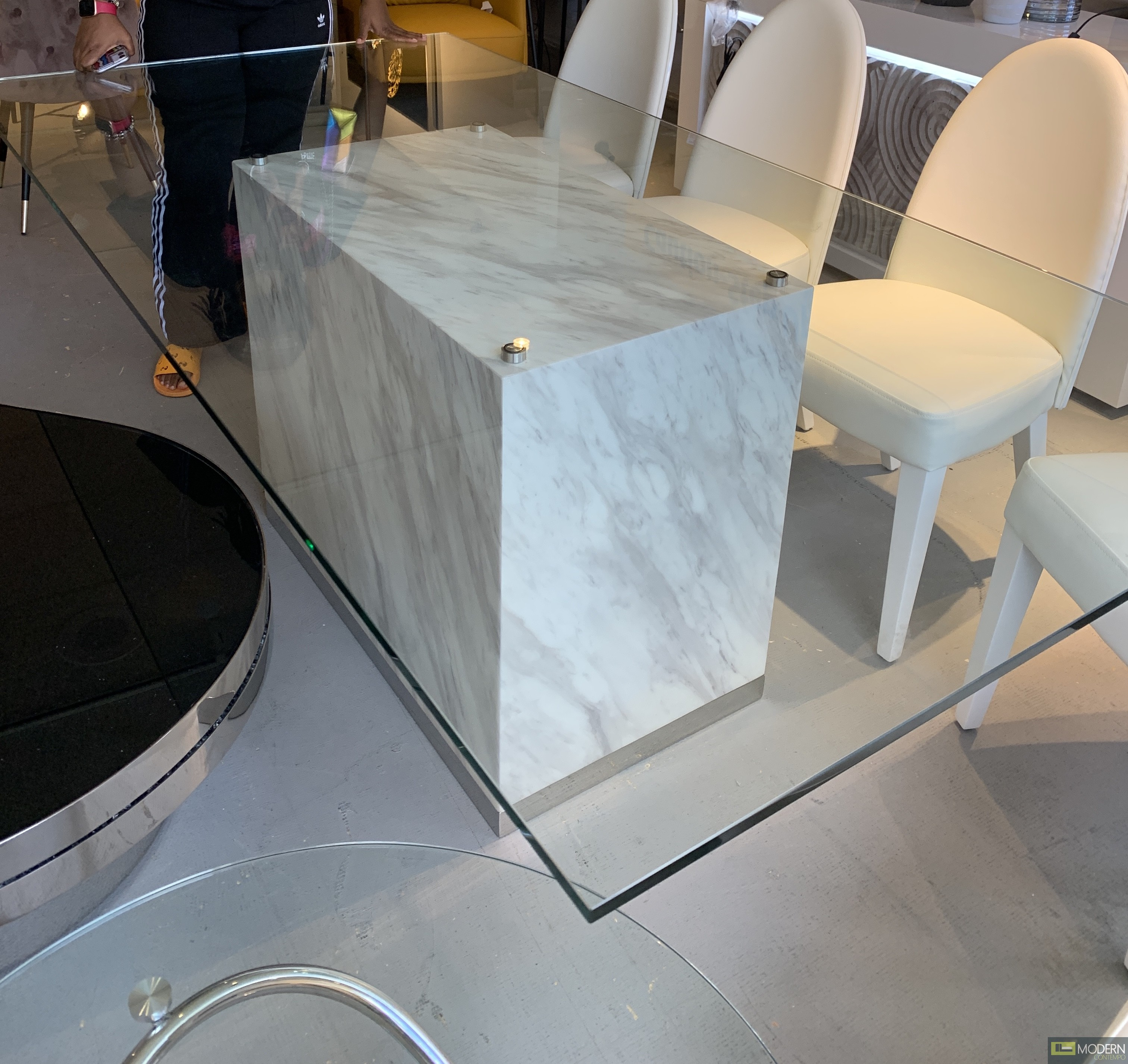CUBO GLASS DINING TABLE MARBLE BASE